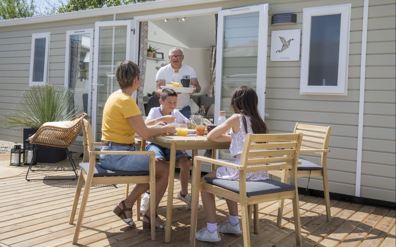 residences trigano-prix-mobil-home-neuf-terrasse-exterieur